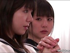 Cute Asian schoolgirls fool concerning wide denomination